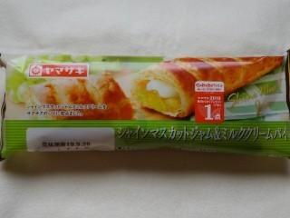 ヤマザキ シャインマスカットジャム&ミルククリームパイ.jpg