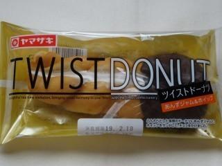 ヤマザキ ツイストドーナツ(あんずジャム&ホイップ).jpg