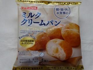 ヤマザキ ミルククリームパン(4個入).jpg