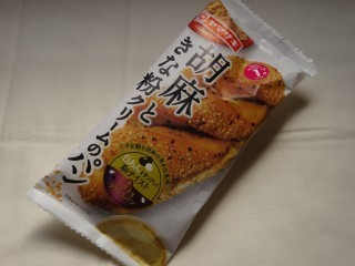 ヤマザキ 胡麻ときな粉クリームのパン.jpg